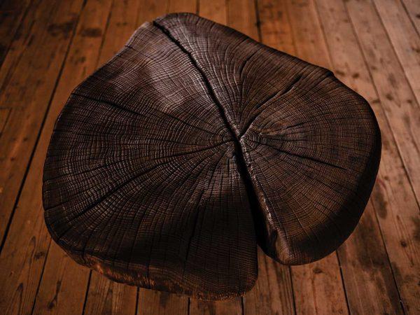 Klubska miza organske oblike - hrast