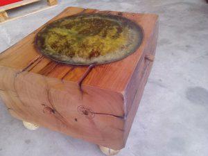 Klubska miza iz starega lesa - hrast