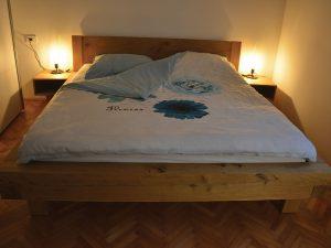 Robustna postelja - hrast