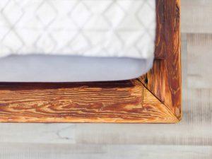 Postelja iz starega lesa - smreka